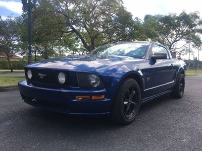 2006 Ford Mustang 2dr Coupe GT Deluxe