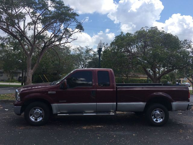 "2006 Ford Super Duty F-250 Reg Cab 137"" XLT - Click to see full-size photo viewer"