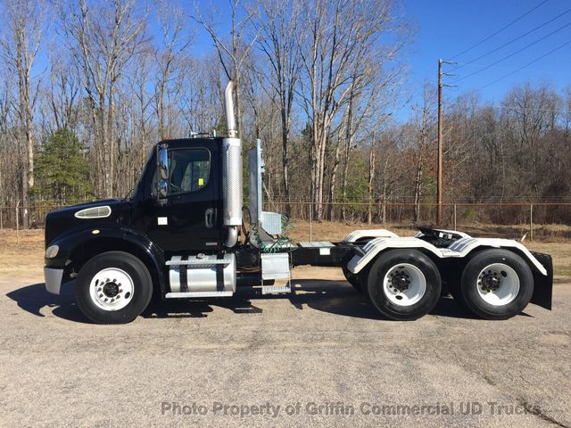 2006 Freightliner TANDEM TRACTOR JUST 5k MILES! ONE OWNER PRE-EMISSION CAT C13! AMAZING CONDITION