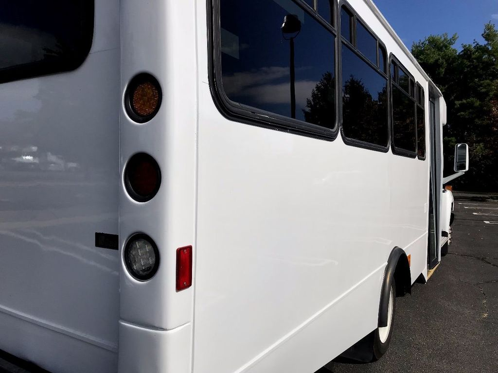 2006 GMC C5500 24 Seat Shuttle Bus For Senior Tours Charters Casino Church Hotel Transport - 16860399 - 10