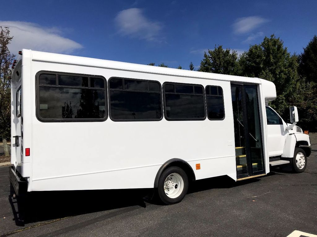 2006 GMC C5500 24 Seat Shuttle Bus For Senior Tours Charters Casino Church Hotel Transport - 16860399 - 11