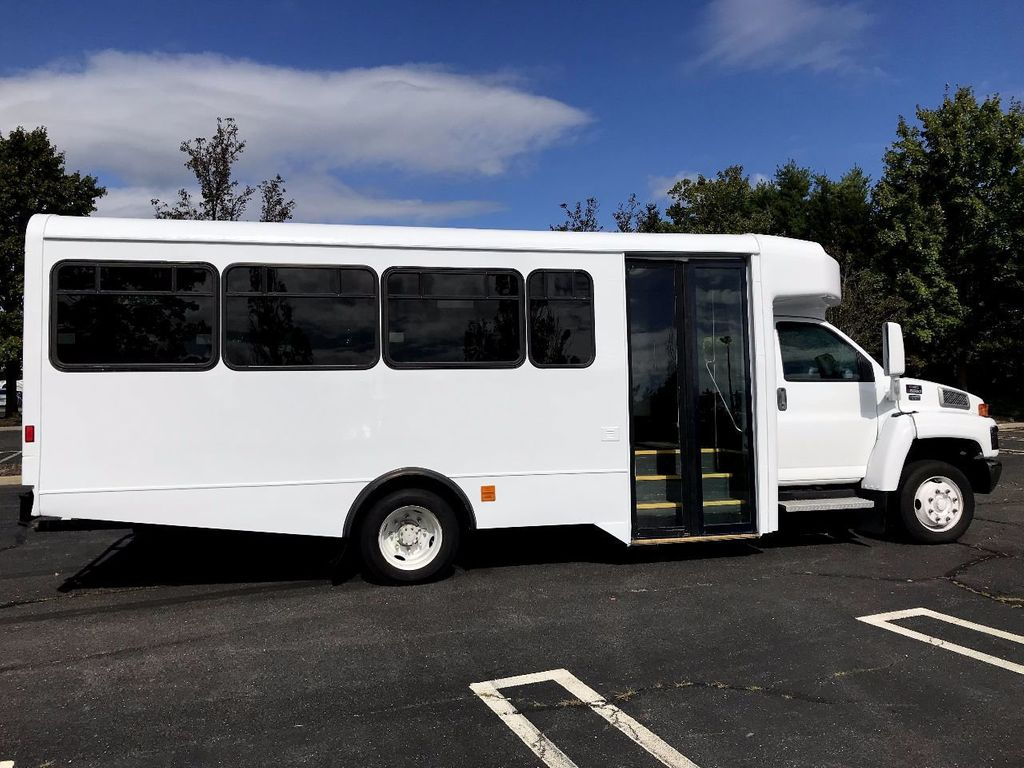 2006 GMC C5500 24 Seat Shuttle Bus For Senior Tours Charters Casino Church Hotel Transport - 16860399 - 12