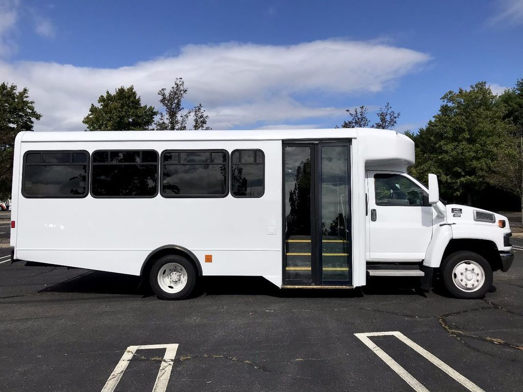 2006 GMC C5500 24 Seat Shuttle Bus For Senior Tours Charters Casino Church Hotel Transport - 16860399 - 13