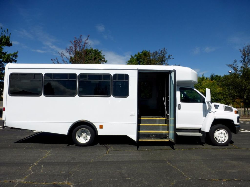 2006 GMC C5500 24 Seat Shuttle Bus For Senior Tours Charters Casino Church Hotel Transport - 16860399 - 14