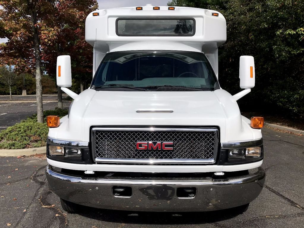 2006 Used GMC C5500 24 Seat Shuttle Bus For Senior Tours Charters Casino  Church Hotel Transport at Major Vehicle Exchange Serving Westbury, NY, IID