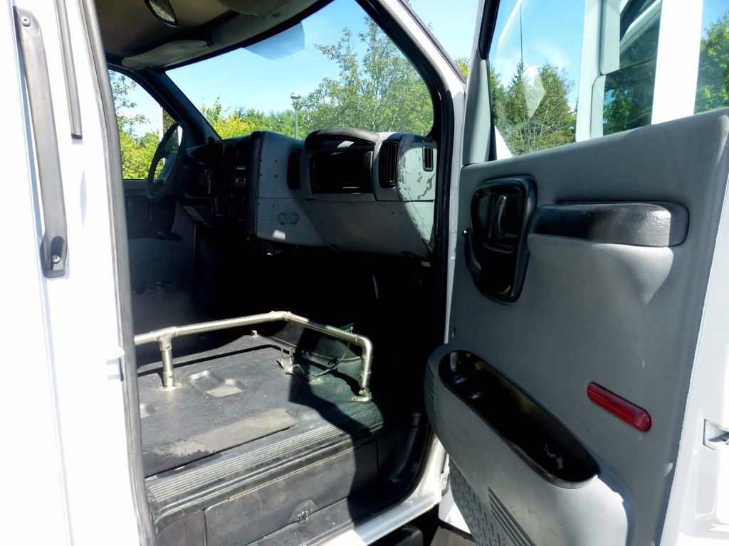 2006 GMC C5500 24 Seat Shuttle Bus For Senior Tours Charters Casino Church Hotel Transport - 16860399 - 22