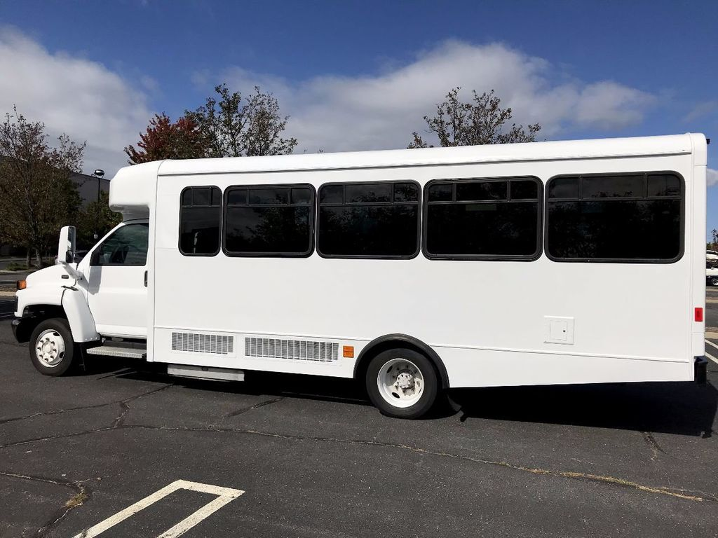 2006 GMC C5500 24 Seat Shuttle Bus For Senior Tours Charters Casino Church Hotel Transport - 16860399 - 3