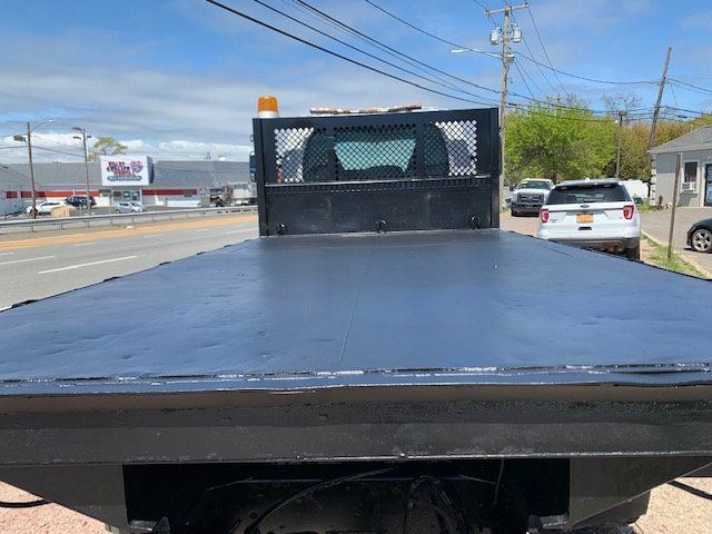 2006 GMC C7500 14 Foot Stake Bed 14 Foot Flatbed & Liftgate  - 17959167 - 20