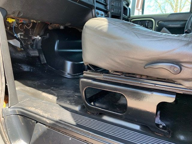 2006 GMC C7500 14 Foot Stake Bed 14 Foot Flatbed & Liftgate  - 17959167 - 28