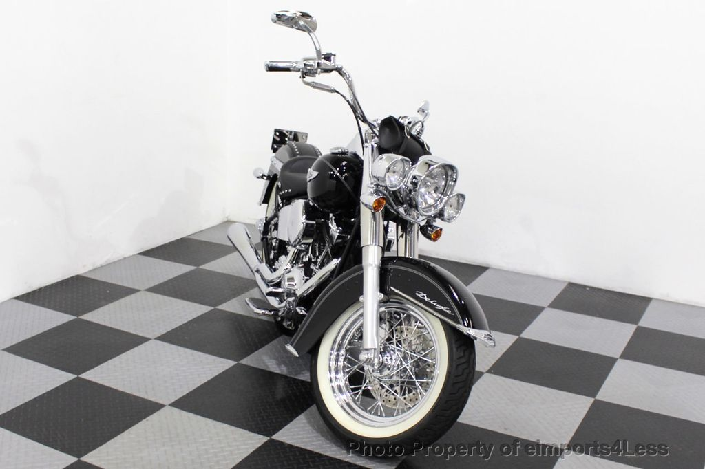 2006 Harley-Davidson FLSTN Softail Deluxe Vance and Hines Exhaust Mustang seat Floorboards - 18286914 - 23