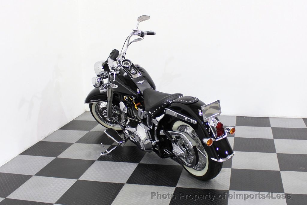 2006 Harley-Davidson FLSTN Softail Deluxe Vance and Hines Exhaust Mustang seat Floorboards - 18286914 - 2