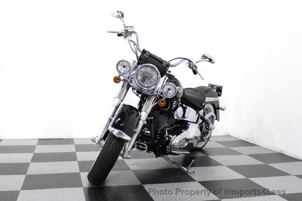 2006 Harley-Davidson FLSTN Softail Deluxe Vance and Hines Exhaust Mustang seat Floorboards - 18286914 - 33
