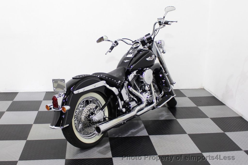 2006 Harley-Davidson FLSTN Softail Deluxe Vance and Hines Exhaust Mustang seat Floorboards - 18286914 - 3