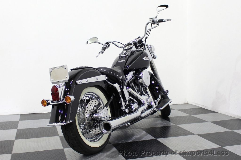 2006 Harley-Davidson FLSTN Softail Deluxe Vance and Hines Exhaust Mustang seat Floorboards - 18286914 - 43