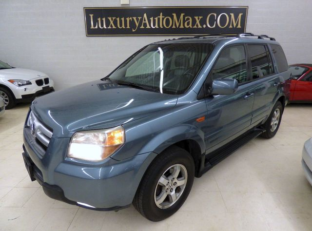 2006 Honda Pilot 4WD EX-L Automatic with NAVI - Click to see full-size photo viewer