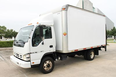 2006 Isuzu NPR NPR CARGO BOX TRUCK - Click to see full-size photo viewer