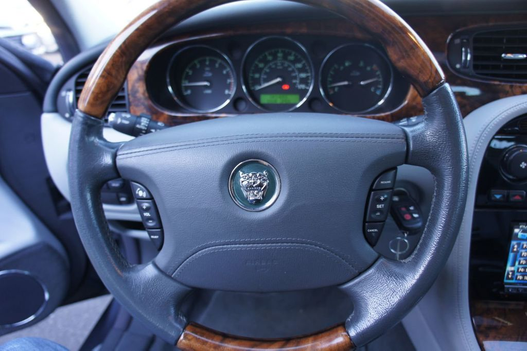 2006 Jaguar XJ 4dr Sedan XJ8 LWB - 18221749 - 14
