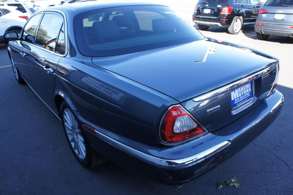 2006 Jaguar XJ 4dr Sedan XJ8 LWB - 18221749 - 23