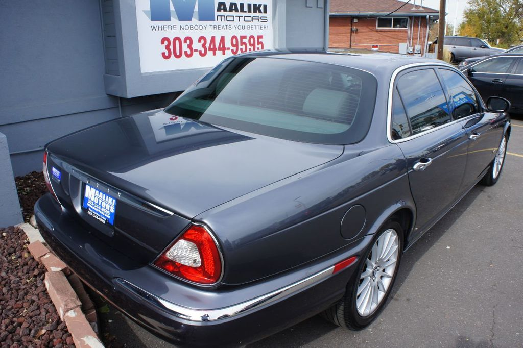 2006 Jaguar XJ 4dr Sedan XJ8 LWB - 18221749 - 3