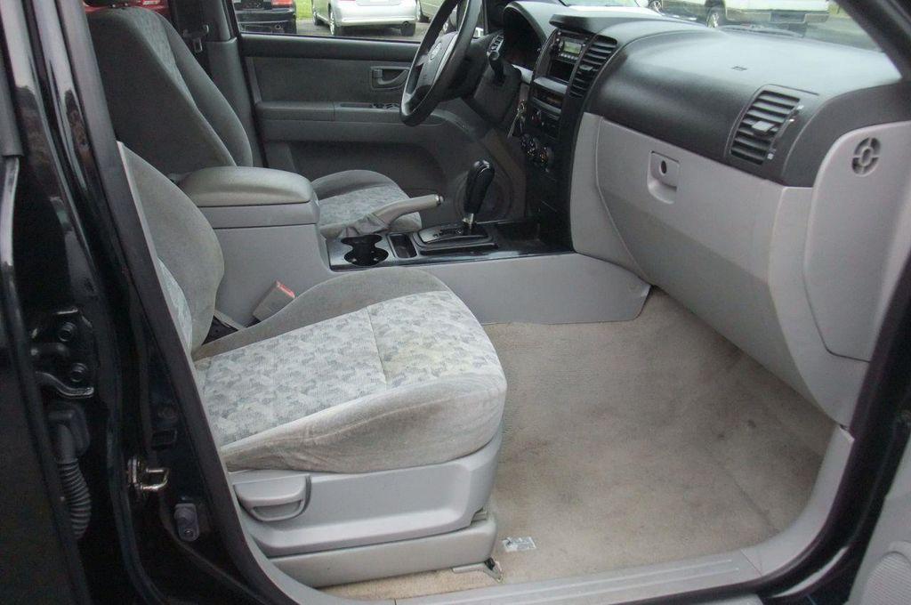 2006 Kia Sorento 4dr LX Automatic 4WD - 13581720 - 19