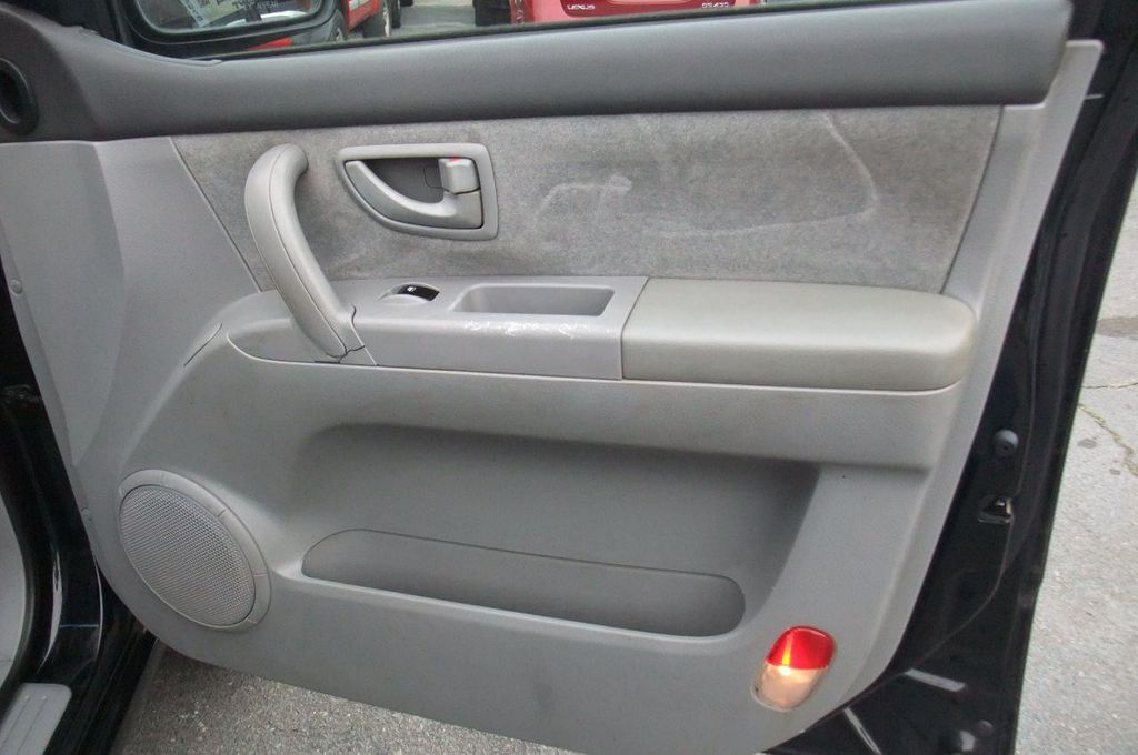 2006 Kia Sorento 4dr LX Automatic 4WD - 13581720 - 21
