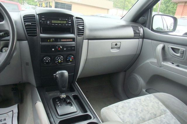 2006 Kia Sorento 4dr LX Automatic 4WD   Click To See Full Size Photo Viewer