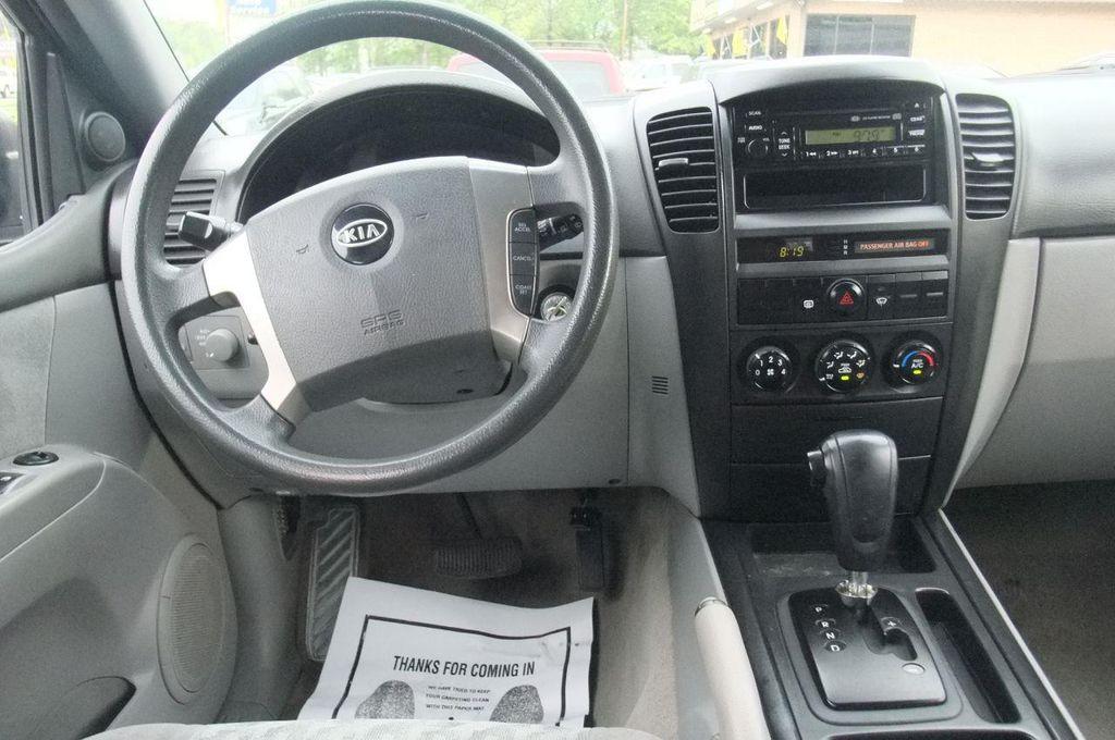 2006 Kia Sorento 4dr LX Automatic 4WD - 13581720 - 23