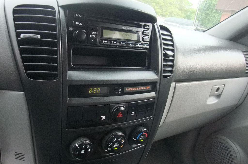 2006 Kia Sorento 4dr LX Automatic 4WD - 13581720 - 26