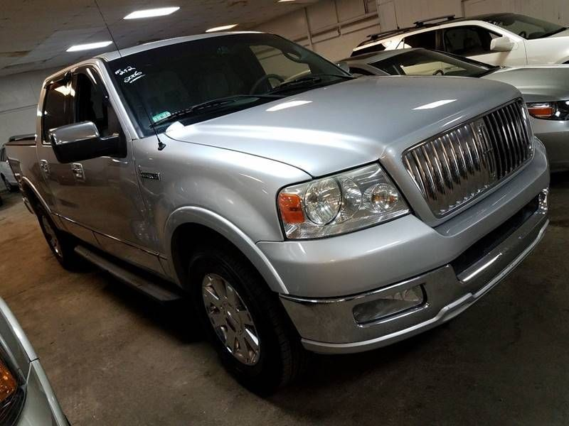 http://2-photos5.motorcar.com/used-2006-lincoln-mark_lt-4wdsupercrew139-12133-17503080-4-800.jpg