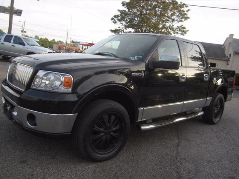 http://1-photos5.motorcar.com/used-2006-lincoln-mark_lt-4x4supercrew-12133-16382259-2-800.jpg