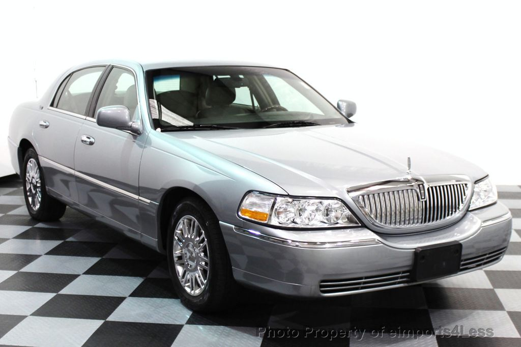 2006 Used Lincoln Town Car 4dr Sedan Signature Limited At