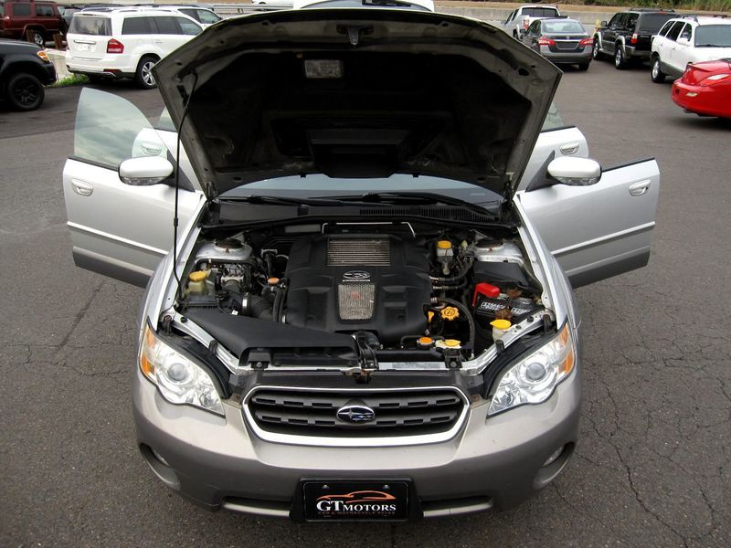 2006 Subaru Legacy Wagon Outback 2.5 XT Ltd Manual Black Int - 19136260 - 32