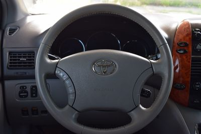 2006 Toyota Sienna 5dr XLE FWD 7-Passenger - Click to see full-size photo viewer