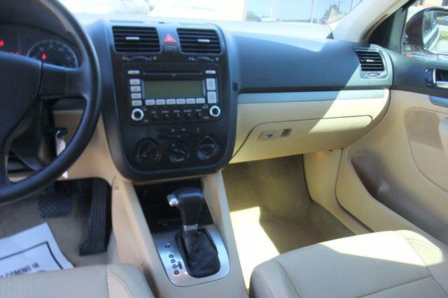2006 Volkswagen Jetta Sedan 4dr 1.9L TDI DSG - Click to see full-size photo viewer