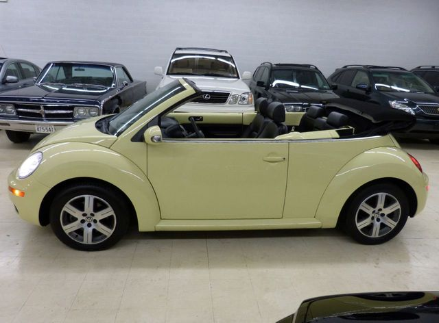 2006 Volkswagen New Beetle Convertible 2dr 2 5l Automatic Click To See Full Size