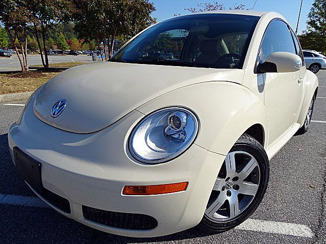 2006 used volkswagen new beetle coupe 2.5 at one and only motors