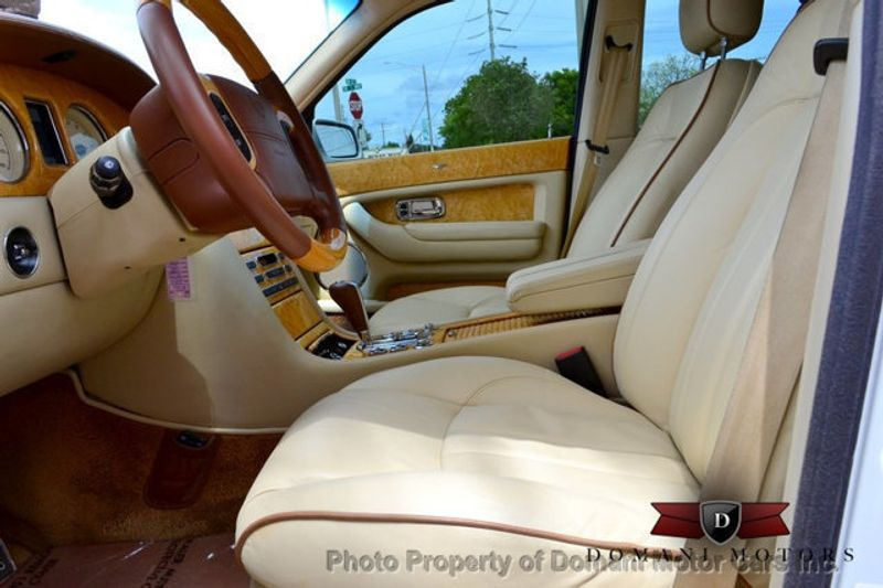 2007 Bentley Arnage Stunning White Arnage w/ Magnolia & Auburn interior - 16319383 - 45