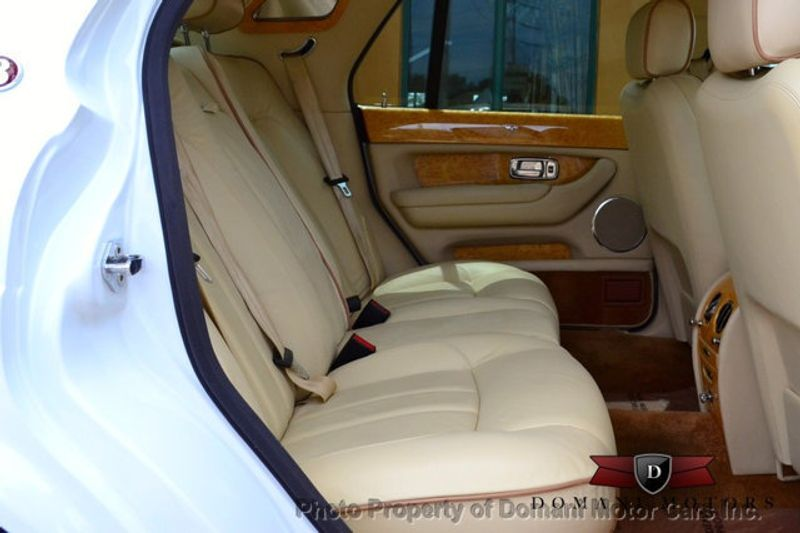 2007 Bentley Arnage Stunning White Arnage w/ Magnolia & Auburn interior - 16319383 - 51