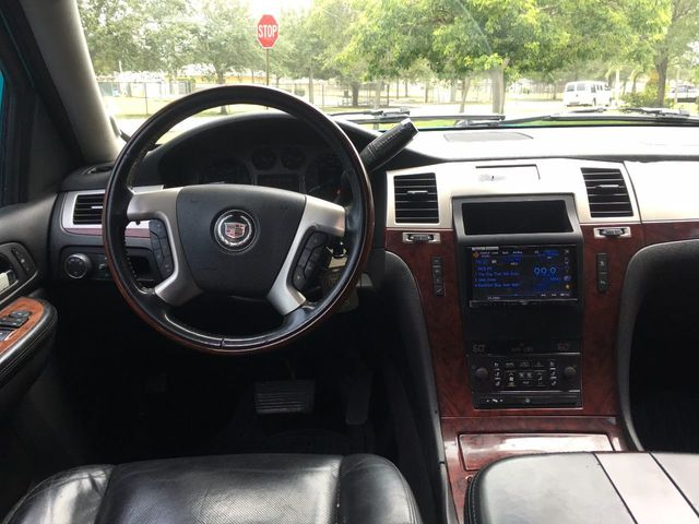 2007 Cadillac Escalade AWD 4dr - Click to see full-size photo viewer