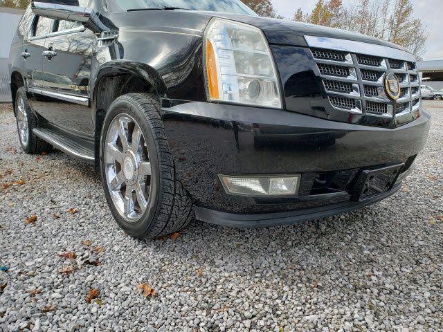 2007 Cadillac Escalade AWD 4dr - 18538736 - 24