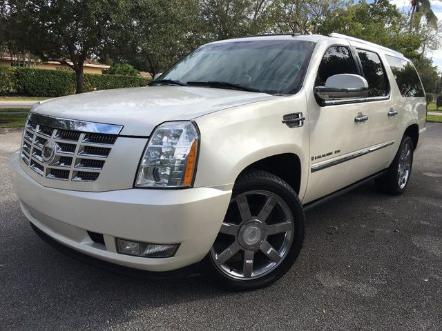 2007 Used Cadillac Escalade Esv Awd 4dr At A Luxury Autos Serving