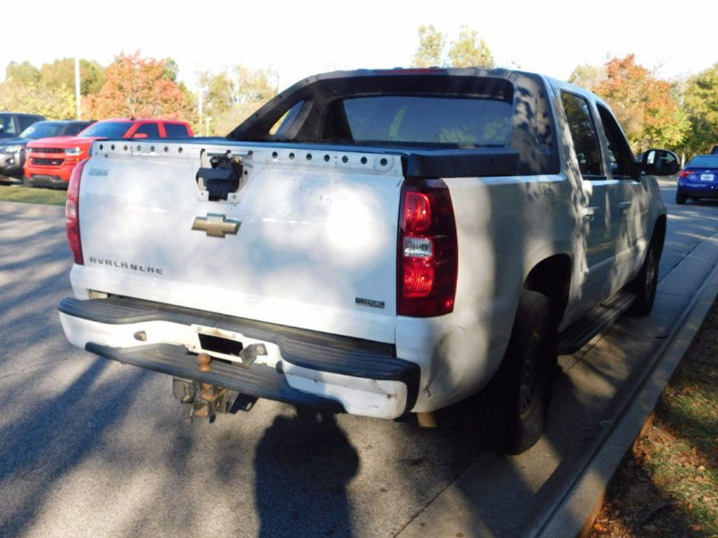 "2007 Chevrolet Avalanche 4WD Crew Cab 130"" LT w/2LT - 16975287 - 2"
