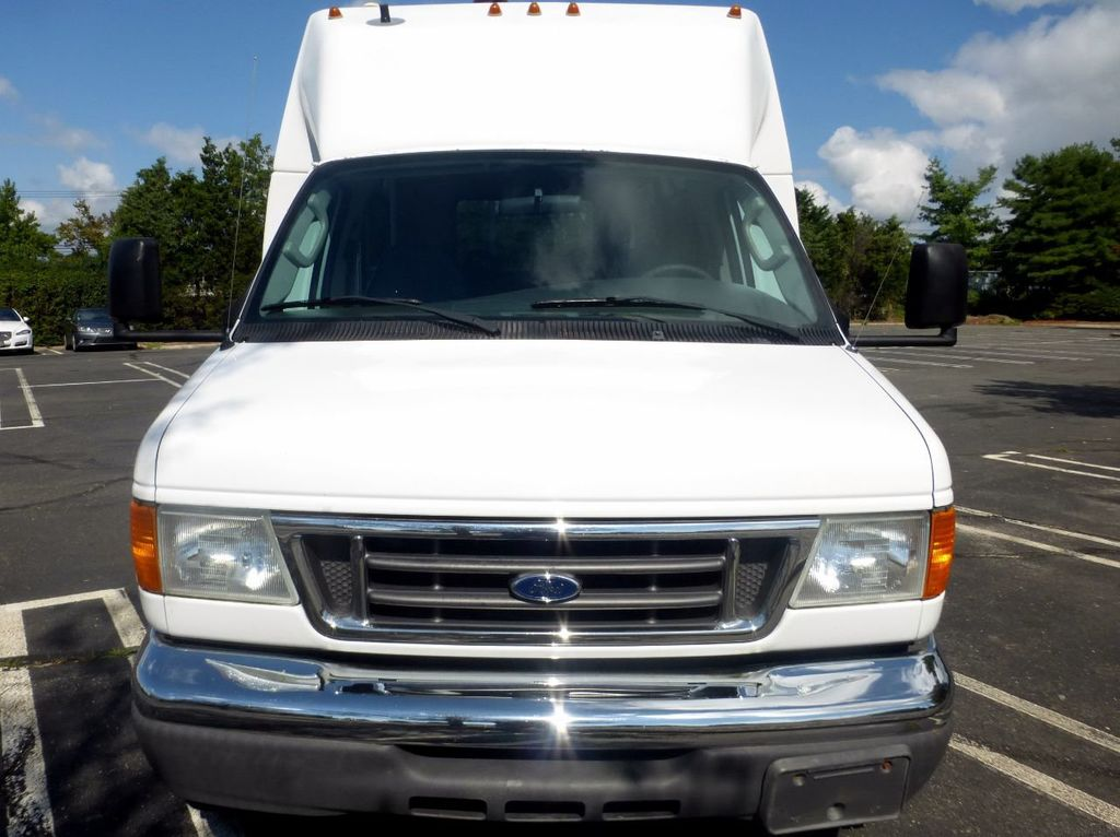 2007 Ford E450 21 Seat Federal Shuttle Bus For Senior Tour Charter Student Church Worker Transport - 17817868 - 1