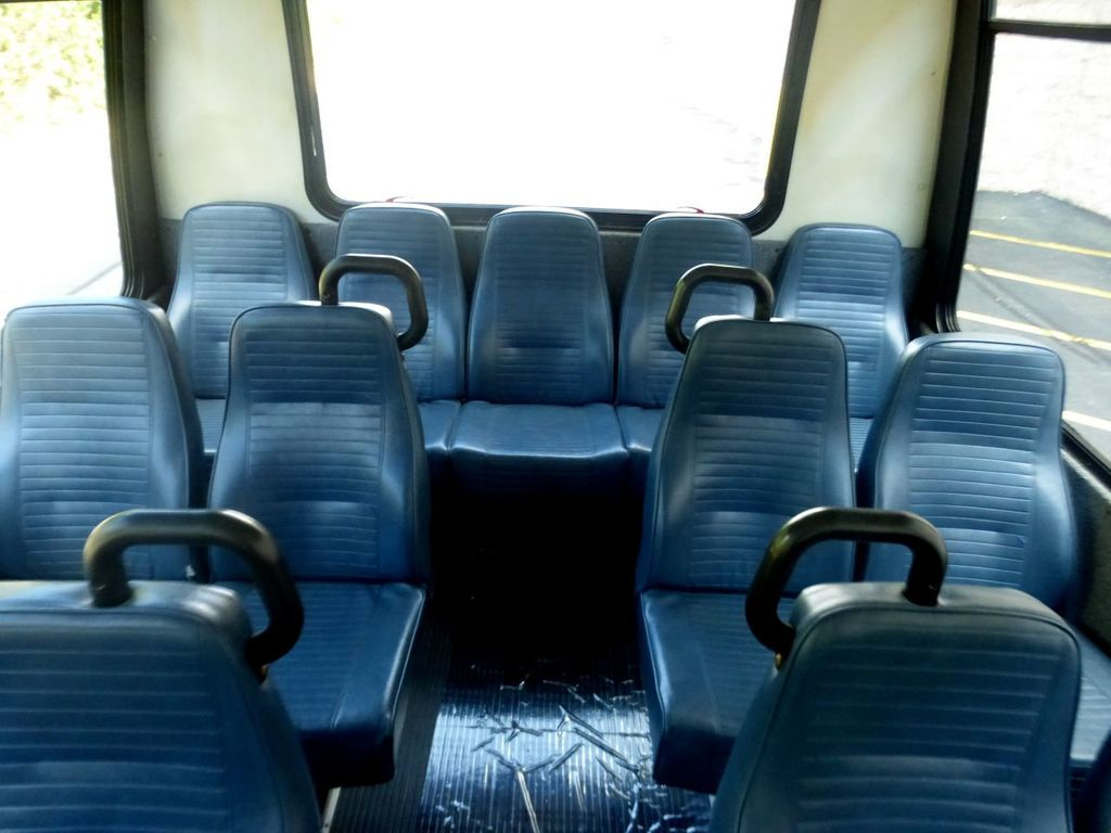 2007 Ford E450 21 Seat Federal Shuttle Bus For Senior Tour Charter Student Church Worker Transport - 17817868 - 28
