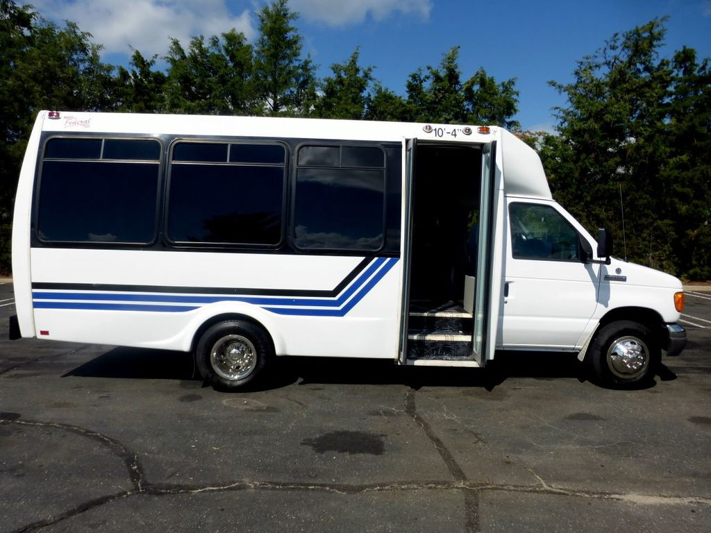2007 Ford E450 21 Seat Federal Shuttle Bus For Senior Tour Charter Student Church Worker Transport - 17817868 - 4