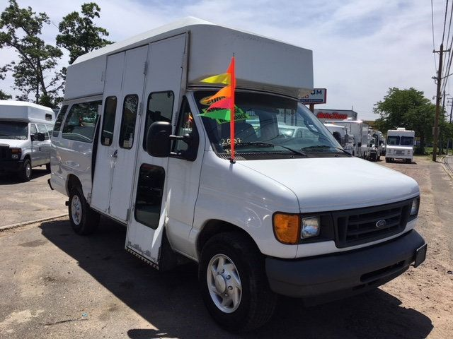 2007 Ford Econoline Cargo Van EXTENDED HIGH ROOF WHEEL CHAIR 8 PASSENGER - 17579909 - 3