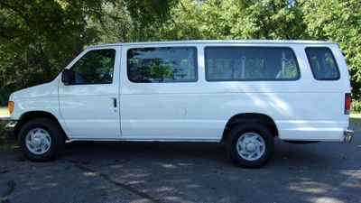 2007 Ford Econoline Wagon ECONOLINE E350 15-PASSENGER - Click to see full-size photo viewer