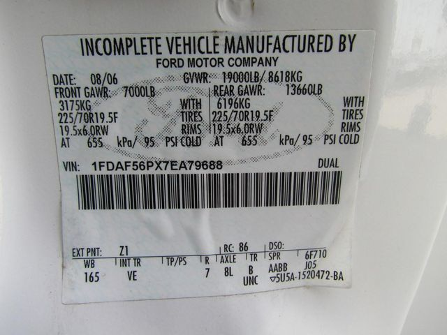 2007 Ford F550 Fuel - Lube Truck 4x2 - 10356290 - 29