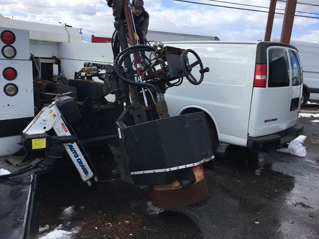 2007 Ford F550 Utilicore MD-100 Coring Drill W/ Hydraulic Extension/ Water/Crane - 15661011 - 13