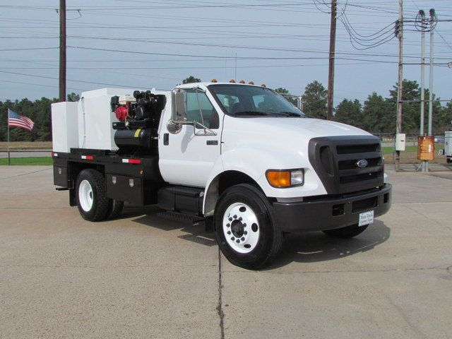 2007 Ford F750 Fuel - Lube Service Truck - 14110228 - 2
